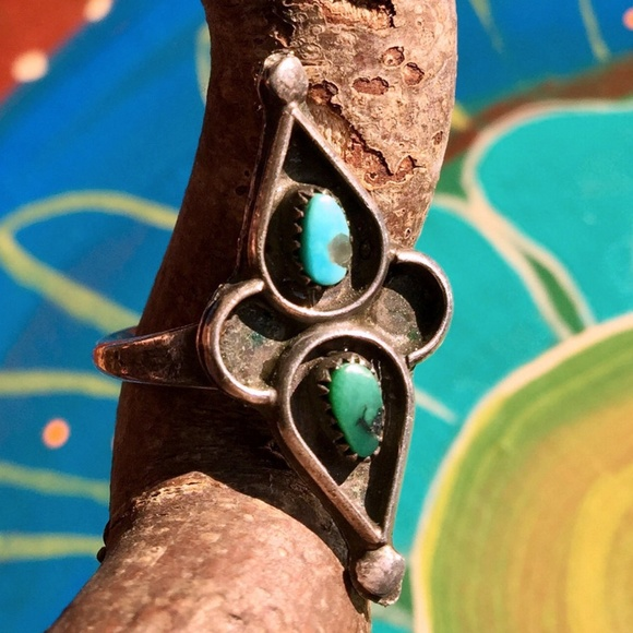 Vintage Jewelry - 6 1/4 • Vintage 40s Turquoise Sterling Silver Ring